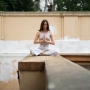 Nastartujte čtvrtky s ranními lekcemi jógy