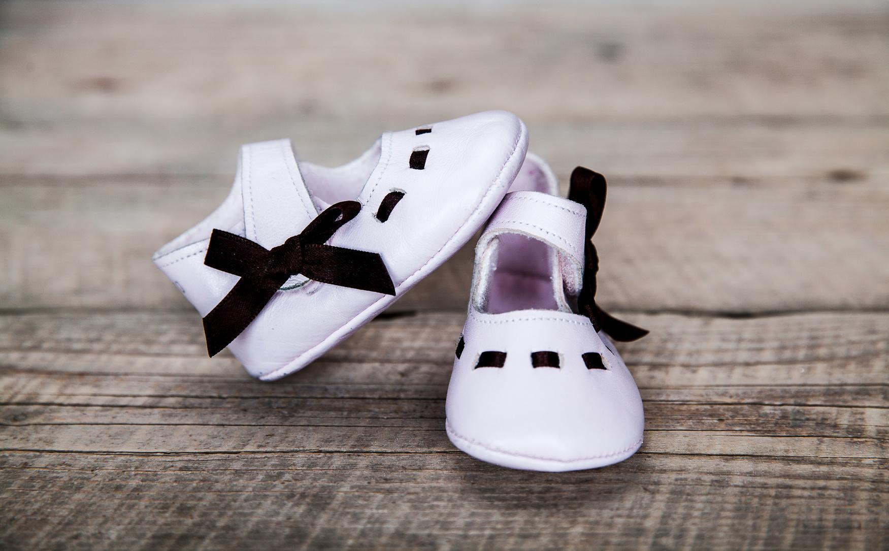 3e8cfae565c Boty pro nejmenší - barefoot nebo pevné