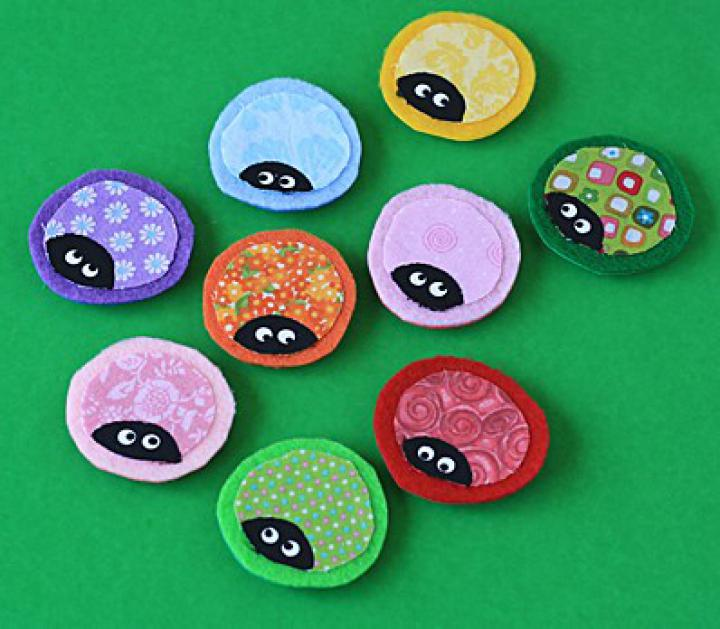 Ladybug-Craft-Magnets-from-Scrap-Fabric-5.jpg