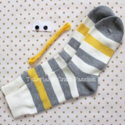 sew-sock-monkey-1.jpg