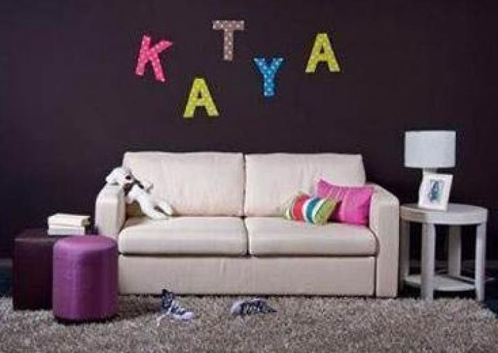 How-to-DIY-Easy-Letter-Wall-Decals-7.jpg