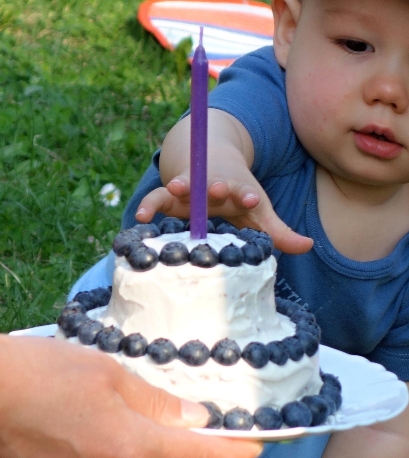 zdravý dort k prvním narozeninám Dort k prvním narozeninám / Recepty | ProMaminky.cz zdravý dort k prvním narozeninám