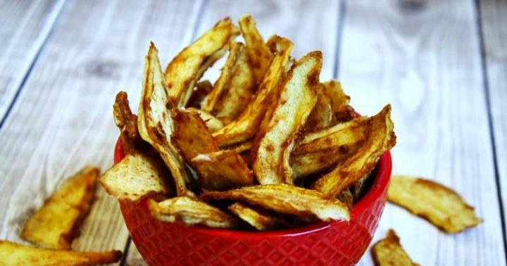 raw-vegan-cinnamon-sugar-pear-chips-800wm-1-PS-CP-1-800x420.jpg